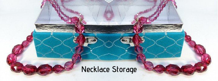 necklace-storage